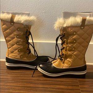 Sorel tofino cate waterproof/lined boot size 8.5.
